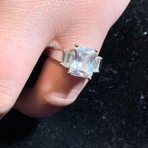 Vintage cz ring with sizers